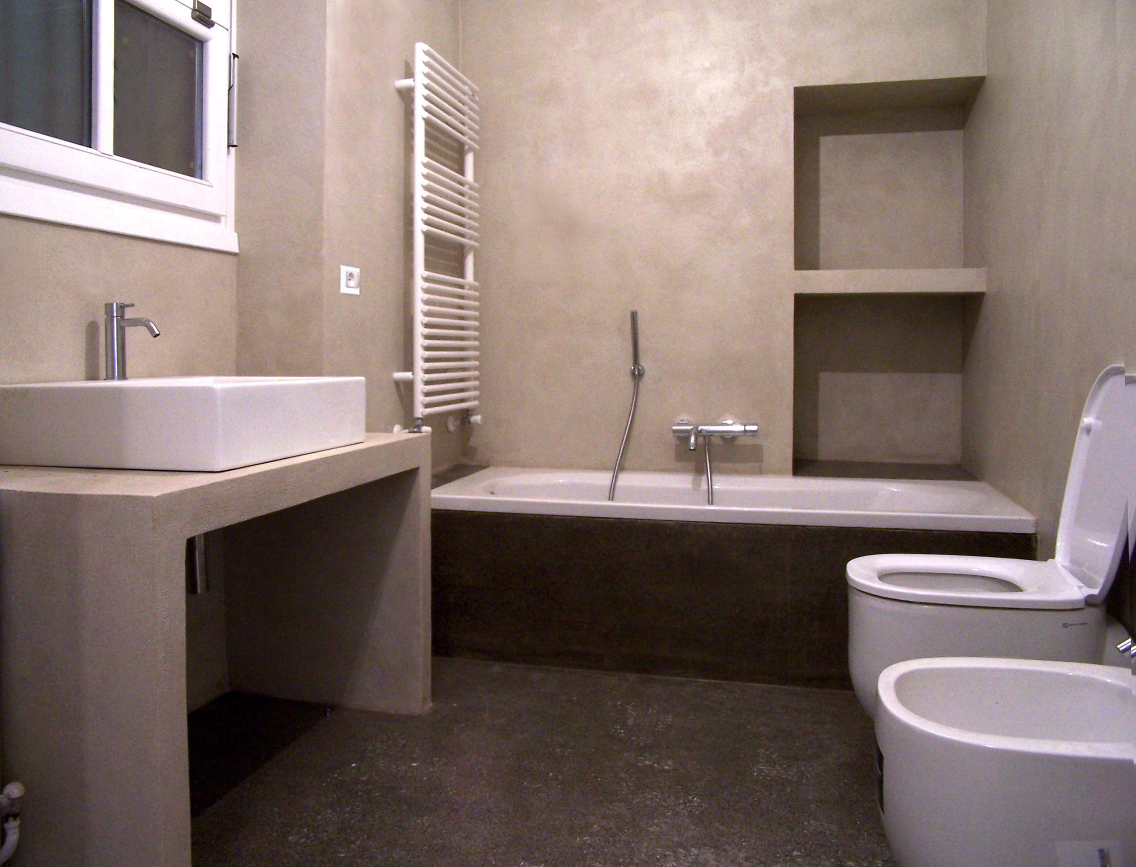 Bagno mattonelle - Resina su piastrelle bagno ...